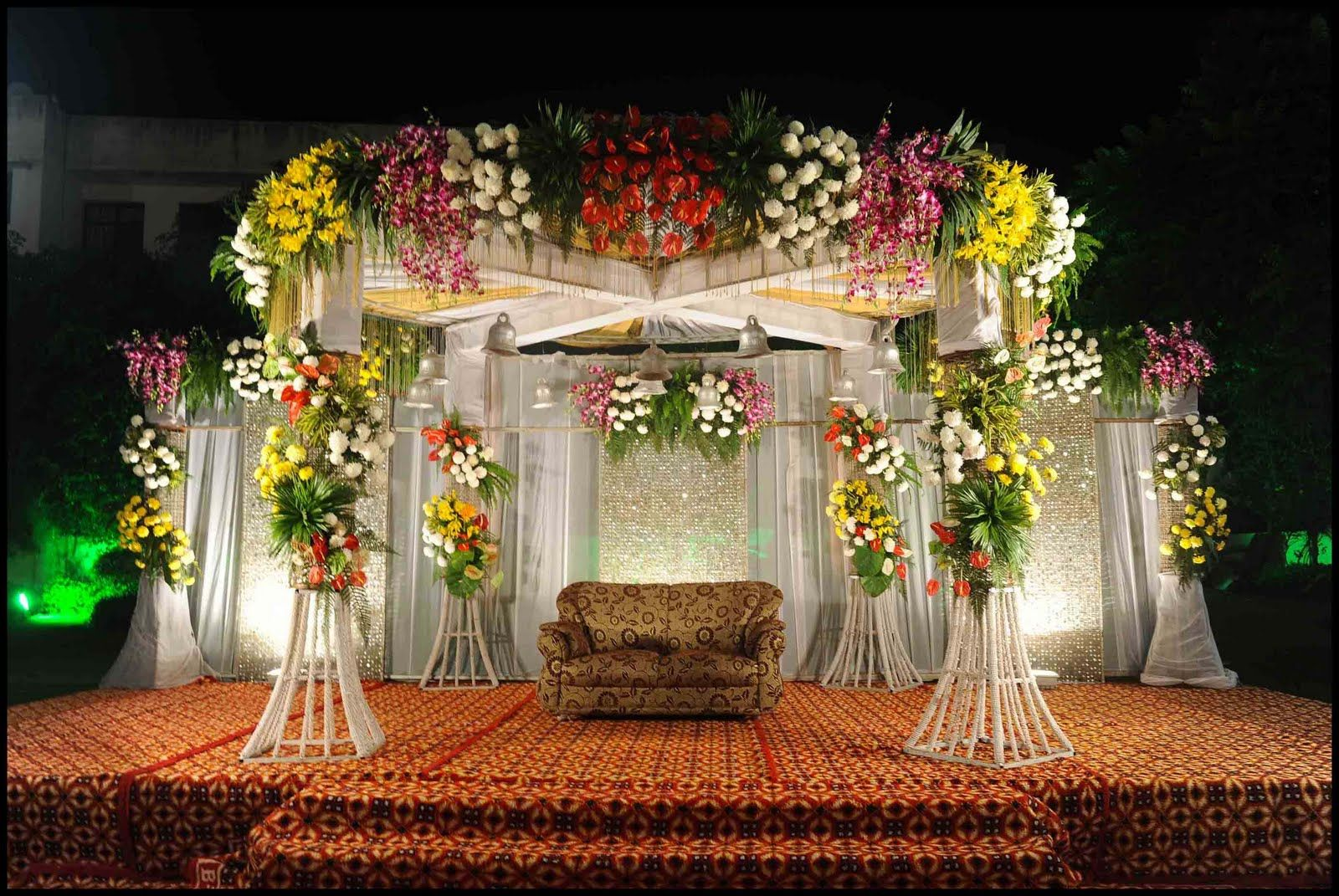 Best Wedding Reception Stage Decoration Ideas For 2021 | Shaadi Plans